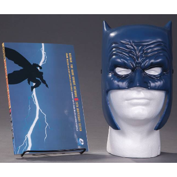 Batman Dark Knight Returns Graphic Novel & Mask Set